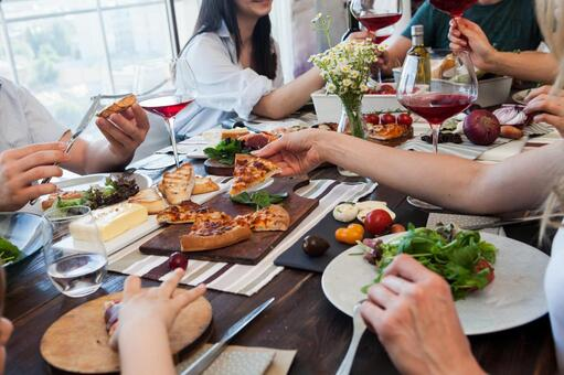 ワインパーティの写真素材|写真素材なら「写真AC」無料(フリー)ダウンロードOK