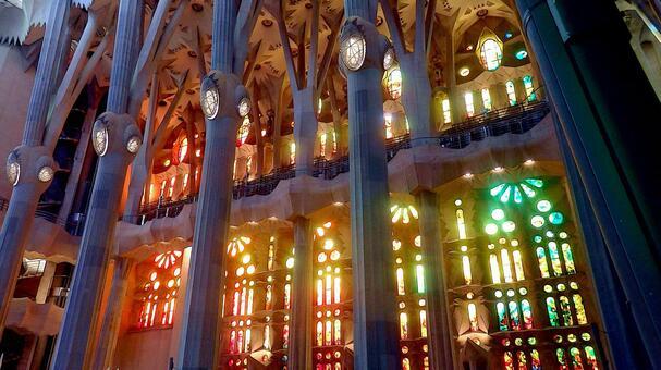 Inside the Sagrada Familia (2020), Barocerona