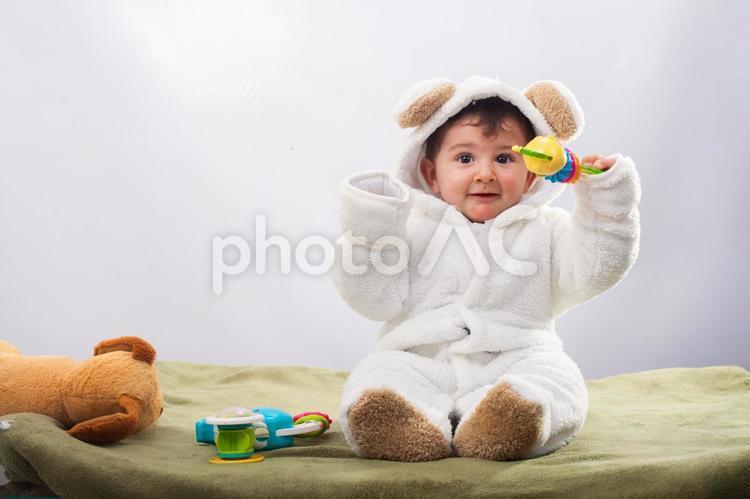 男の子の赤ちゃん(熊の着ぐるみ)22の写真