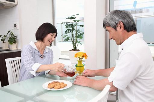 飲茶對老年夫婦1