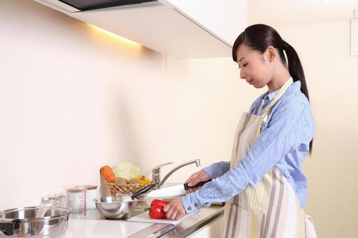 Female cooking 1