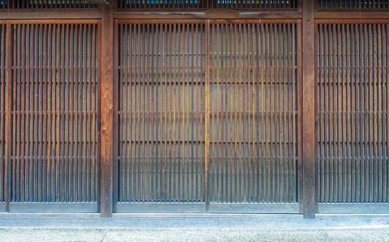 Building > Entrance / Approach > Lattice door