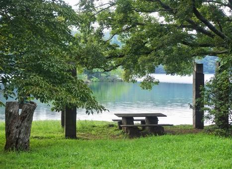 Summer scenery Cool breeze Lake Ippeki Izu no Hitomi Stone table Bench Reflection Ripples Ripples