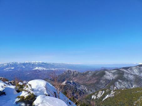 金峰山에서의 전망 야츠가 타케와 루이 牆山 겨울