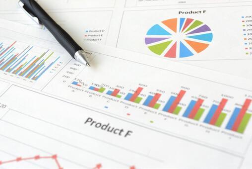 비즈니스 차트 및 펜