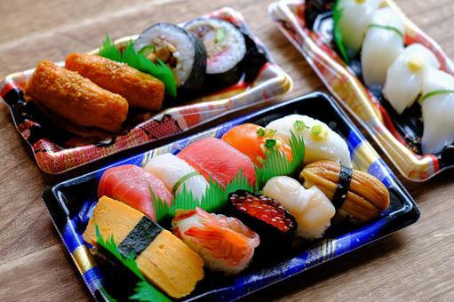 Sushi takeout ④
