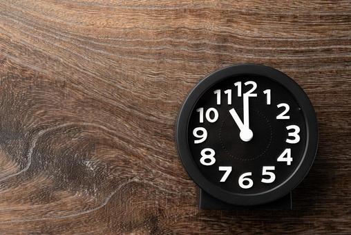 Clock 11 o'clock 23 o'clock