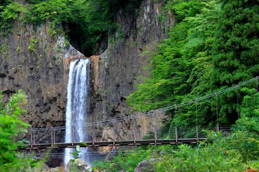 Niigata Naena Waterfall
