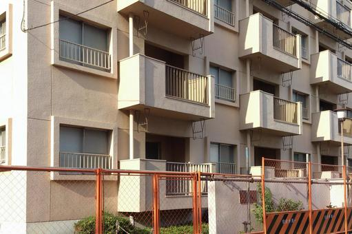 Rebuilding of housing complex
