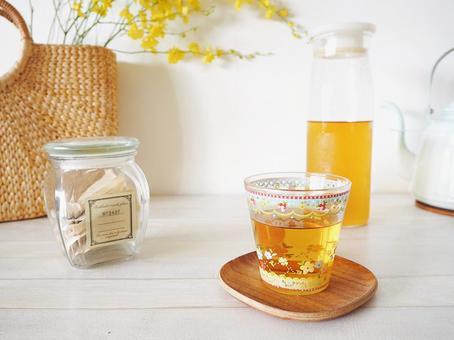 Image of living summer Boiled barley tea Healthy tea