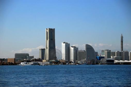 랜드 마크 우뚝 솟은 도시