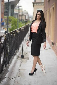 Foreign women's suit 4