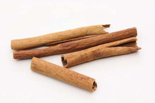 Spice cinnamon 4