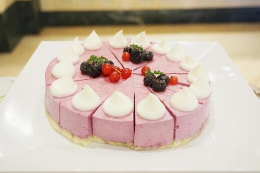 Raspberry mousse cake