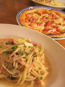Delicious items Pasta & Pizza