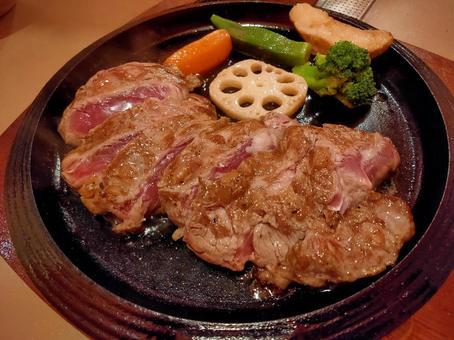 Glasses steak set meal