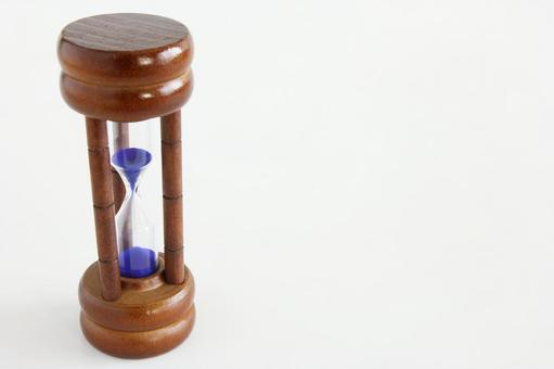 Hourglass left
