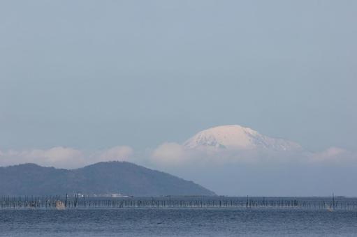 Ibukiyama and Okijima of Lake Biwa