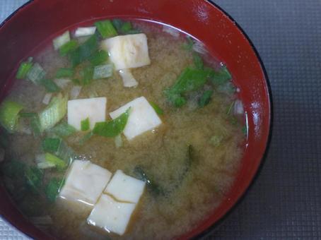Miso soup 002 (tofu and long onion)