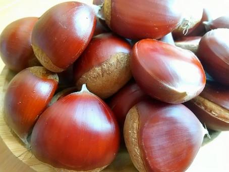 Heaping chestnuts_3
