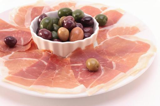 Raw ham and olive 6