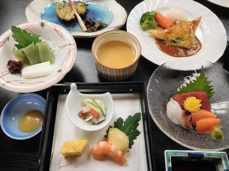 Hot spring inn dinner image