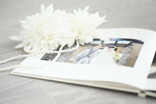 婚禮相冊和白色大麗花婚禮圖片