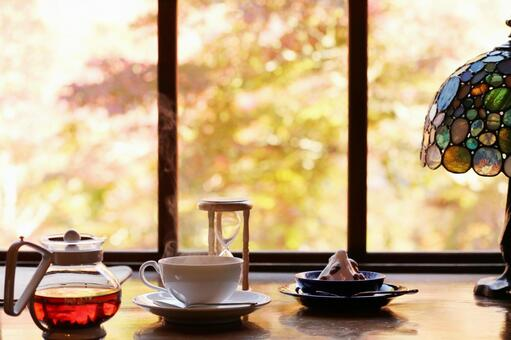 Tea time 2 while watching the autumn leaves