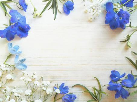 Refreshing frame of blue flowers