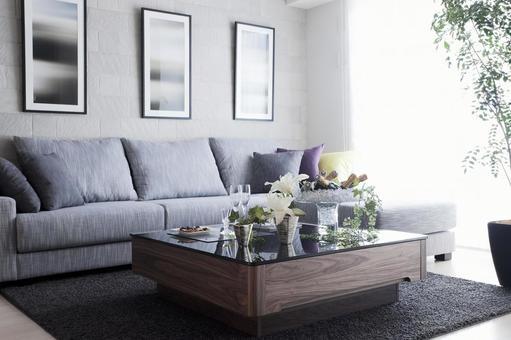 客廳採用單調內飾,融入綠色