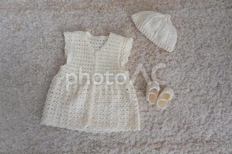 出産準備 手編みベビー服の写真