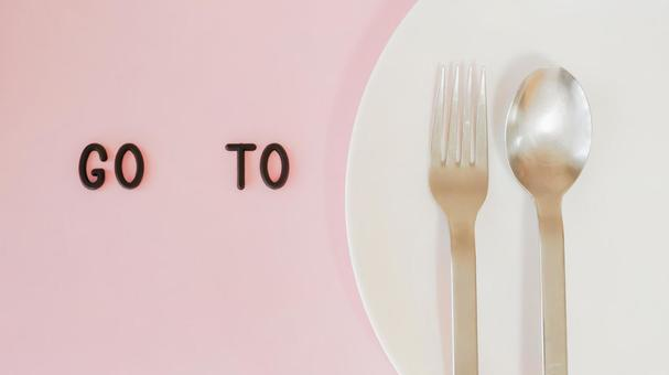 GO TO EAT 03 Image material (pink, plate background)