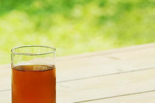 Please have a cold barley tea.