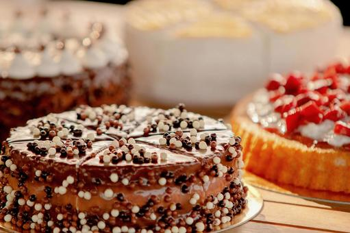 Chocolate cake and tart cake 1