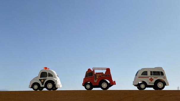 Emergency vehicle dispatch image with minicar