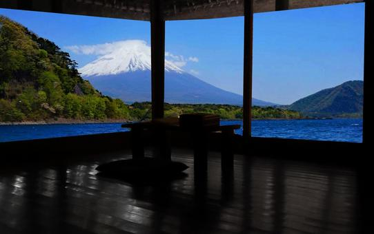 Retro inn scenery Mt. Fuji