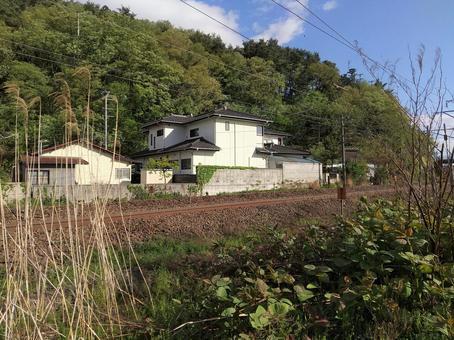 도호쿠 본선 연선의 주택 후쿠시마시 御山