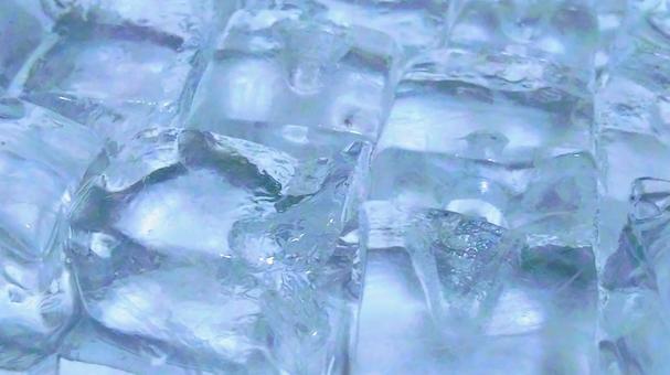 Ice 39 (whiteish blue)