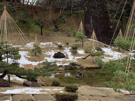 Kanazawa Castle Winter snow hanging