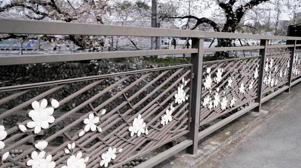 櫻花圖案圍欄