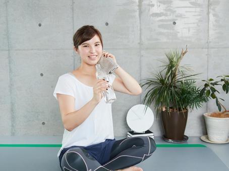 Japanese women hydrating during training