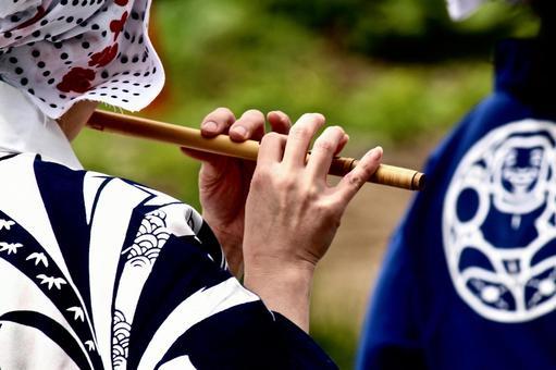 Festival, musical accompaniment