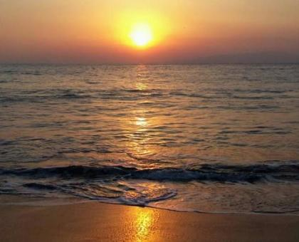 Scenery of the morning sun (Izu) of the sea 1225