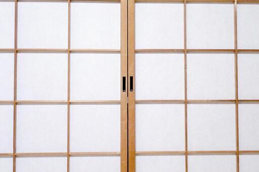 A sliding door