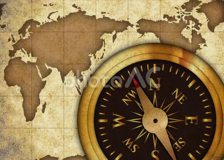 古地図と羅針盤の写真
