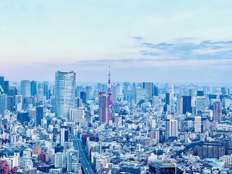 도쿄 타워와 주변의 거리 풍경
