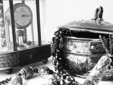 Black and white clock and jewelry box