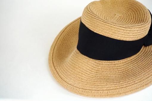 Straw hat ①