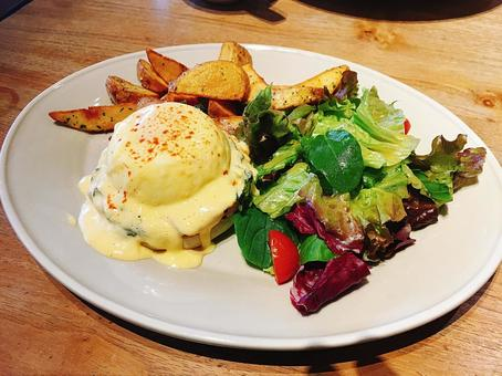 멋진 아침 에그 베네딕트 레스토랑 eggs Benedict