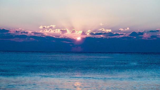 Dawn sunrise horizon morning sun sunshine sunrise sea surf